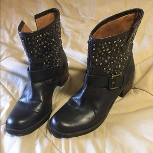 Women's lucky brand size 8.5 boots